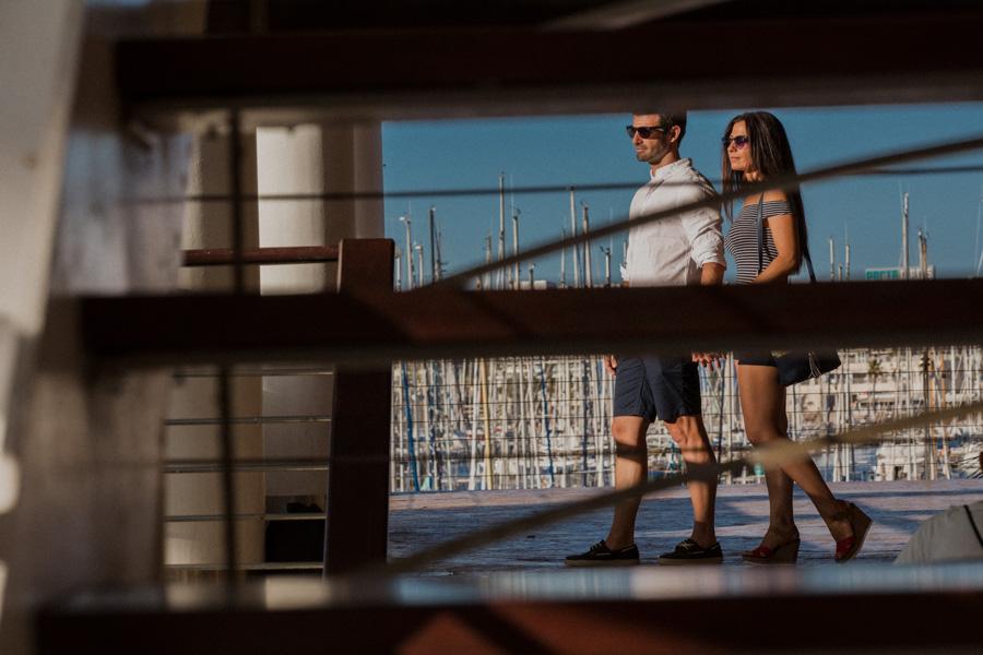 pareja en el puerto de Alicante